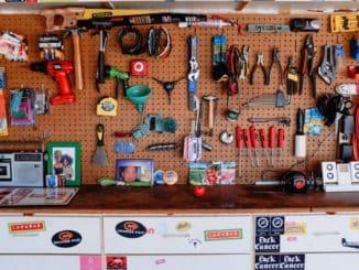 Werkzeugwand in einer Garage